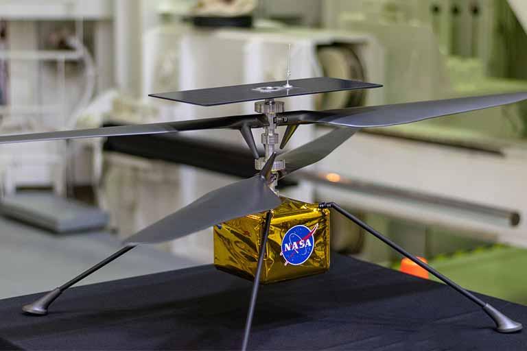 پرواز هلیکوپتر در مریخ